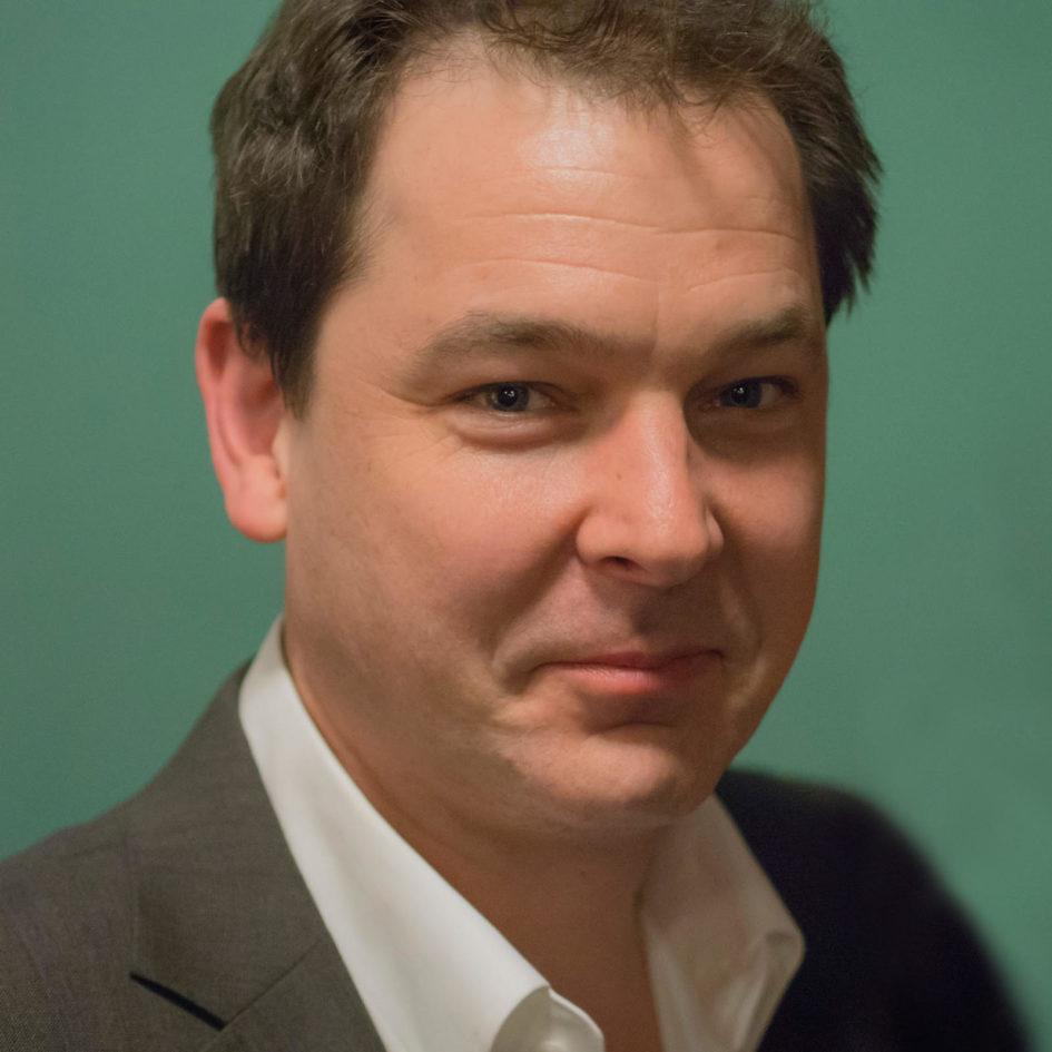 Dylan Sisson Technical Marketing Specialist, Pixar