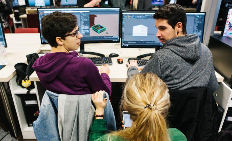 étudiants en formation cinéma d'animation 3D et effets visuels